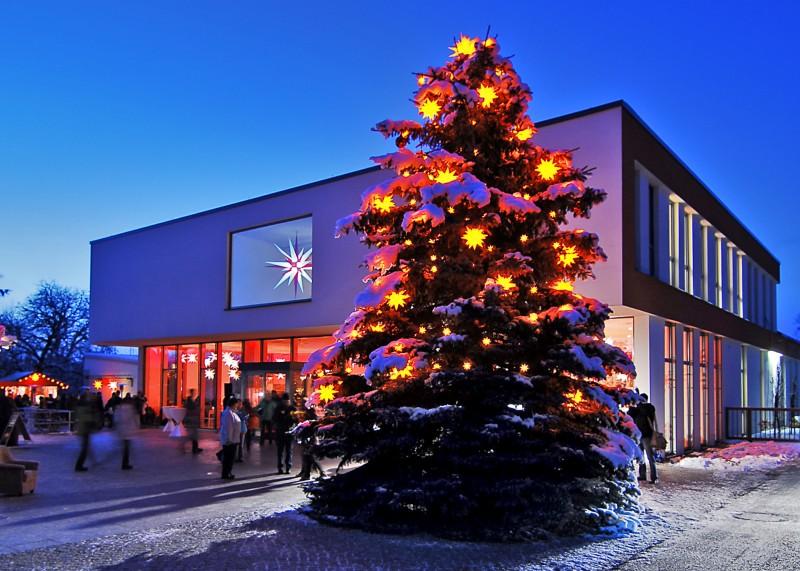herrenhuter sterne ein original herrnhuter advents und weihnachtsstern besteht aus insgesamt 25 zacken 17 viereck 8 dreieckzacken anstelle der 26 stern mini weiss